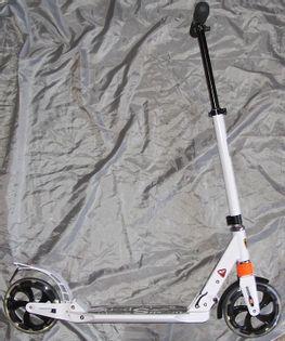 Duża hulajnoga amortyzowana XZ116 2 kolory koła 19cm Kolor - Biały