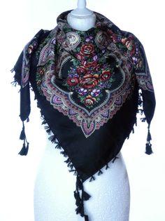 Piękna wzorzysta chusta apaszka wzór folkowy ETNO