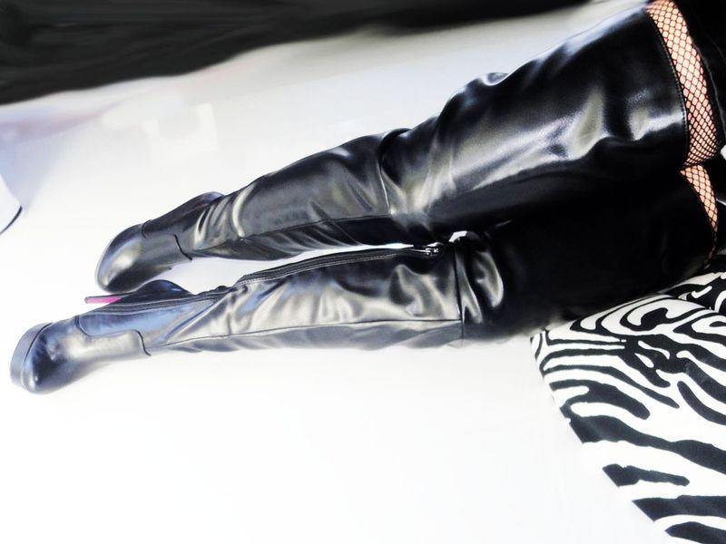 4ccad7b8e92d5 Czarne długie kozaki za kolano matowe platforma Rozmiar Buta - 39 zdjęcie 4