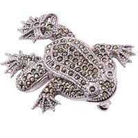 BAXI  Srebrna broszka z markazytami, żaba na szczęście