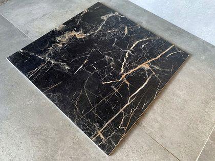 Czarny marmur złota żyła 60x60 gres MARMUROPODOBNY