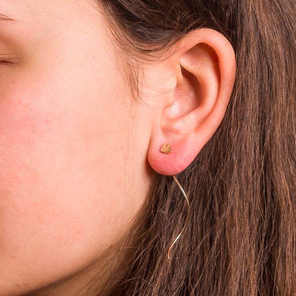 Złote Wiszące Kolczyki Przeciągane Przez Ucho Serce zdjęcie 4