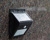 LAMPA SOLARNA OGRODOWA LED Z CZUJNIKIEM RUCHU I ZMIERZCHU CAŁOROCZNA zdjęcie 8