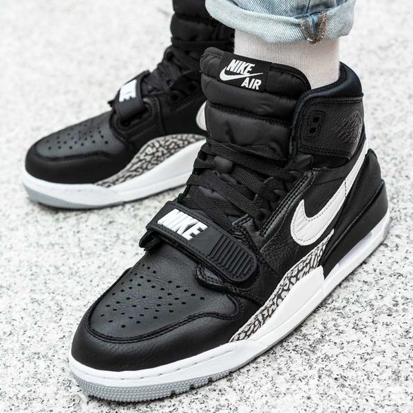Nike Air Jordan Legacy 312 (AV3922 001) 44