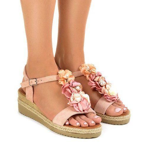 Różowe sandały na koturnie z kwiatkami 218 r.38