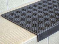 Nakładki antypoślizgowe gumowe na schody zewnętrzne nastopnice