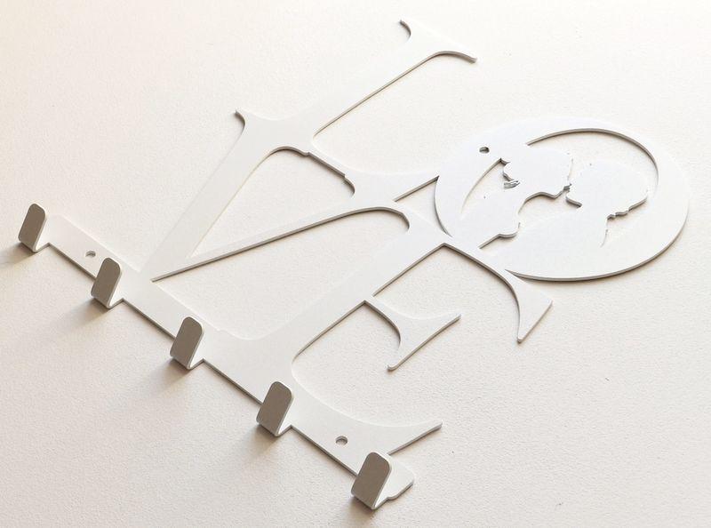 Metalowy wieszak ścienny na ubrania klucze - LOVE zdjęcie 5
