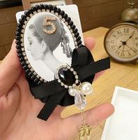 Broszka Cyrkonie Audrey Hepburn Vintage Perły
