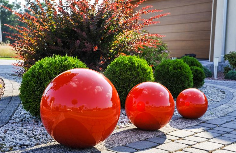 Kula ogrodowa Era 50cm kula dekoracyjna z żywicy poliestrowej czerwona zdjęcie 2