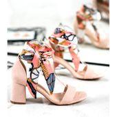 Zamszowe Sandały Z Kolorową Wstążką r.36
