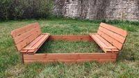 Piaskownica drewniana ze składanymi ławeczkami 150x150 - zmontowana