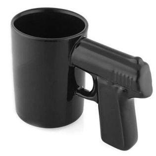 "Kubek ""Pistolet"", czarny, 500 ml, GM"
