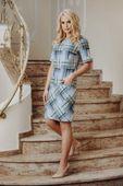 Taliowana sukienka w kratkę z kieszeniami - Multikolor 40