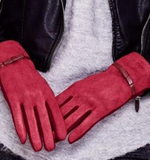 Bordowe miękkie rękawiczki ocieplane z kokardką