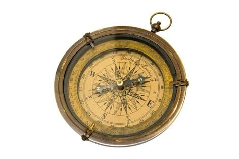 Mosiężny kompas NI 8683 - wykończenie antyk - śr. 12,5cm