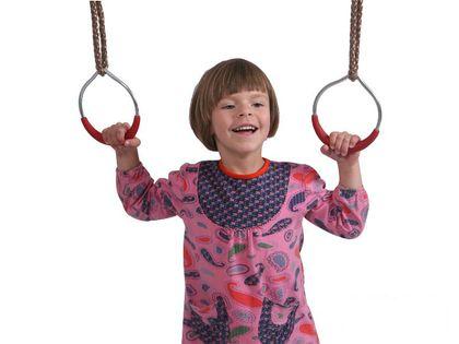 Metalowe obręcze na linach na plac zabaw