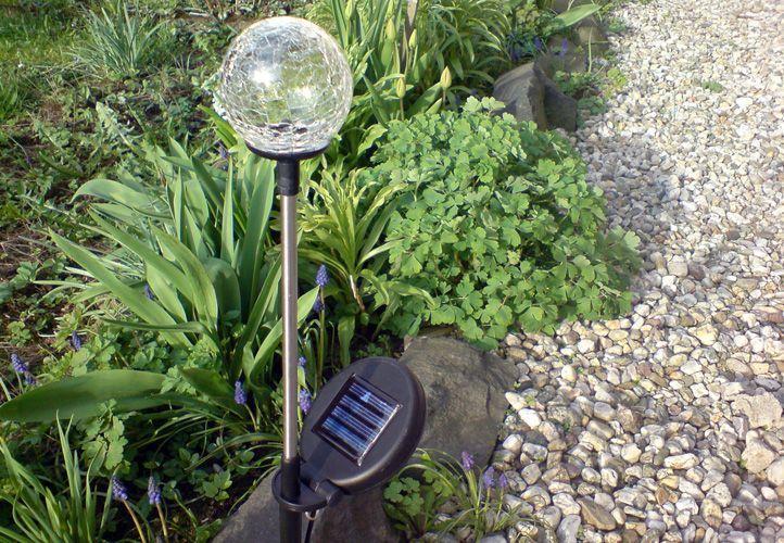 Lampa ogrodowa Garth solarna LED w kształcie kuli (zmienia kolory) D00306 zdjęcie 6