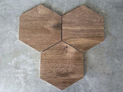 Płytki heksagonalne drewnopodobne PLASTER MIODU