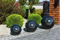 Kula ogrodowa Era 50cm kula dekoracyjna z żywicy poliestrowej Pawie oczko