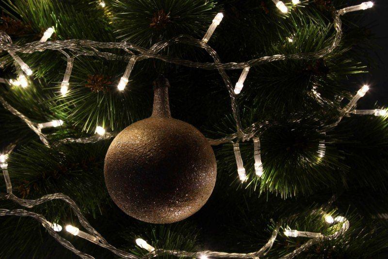 Lampki dekoracyjne choinkowe 100 LED ciepłe białe z programatorem na łańcuchu zdjęcie 9