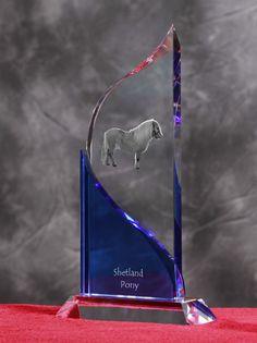 Kuc szetlandzki- Kryształowa statuetka z podobizną konia.