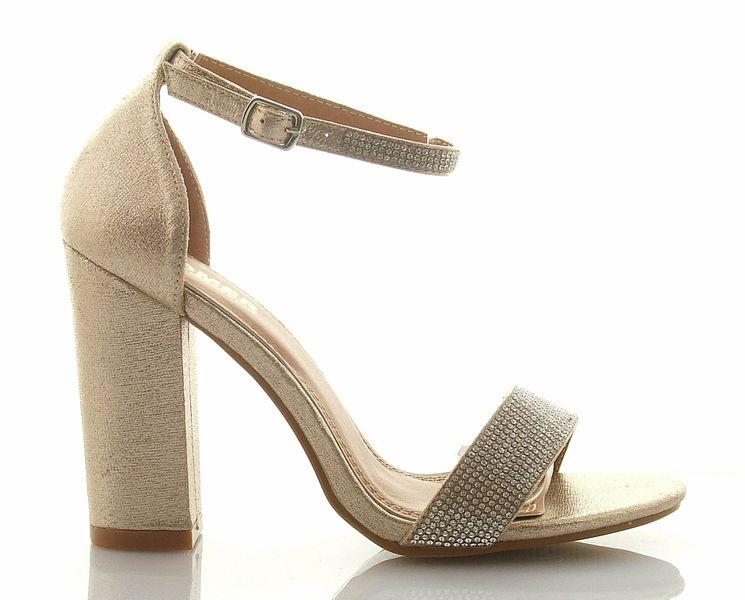 sandały z perełkami zakryta pięta