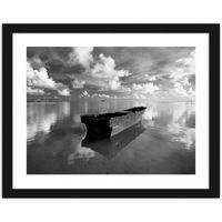 Obraz w ramie czarnej, Łódka w chmurach 80x60