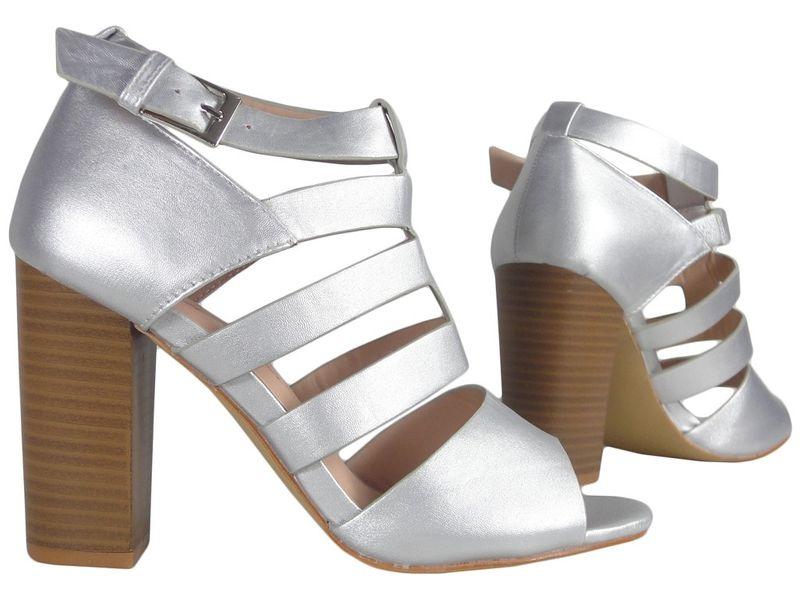 2c301f7d74101 Matowe srebrne sandały na słupku 39 • Arena.pl