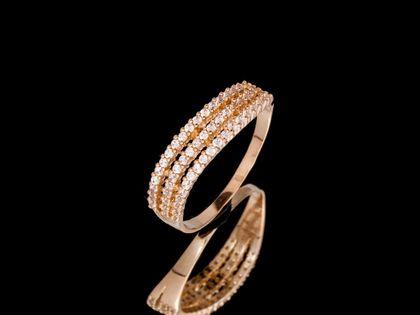 P666 Złoty pierścionek z cyrkoniami. 585