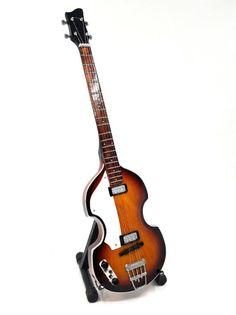 Mini gitara basowa- Paul Mc Cartney, the Beatles, MGT-2028, skala 1:4