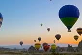 Kolorowe balony Rozmiar - 150x100