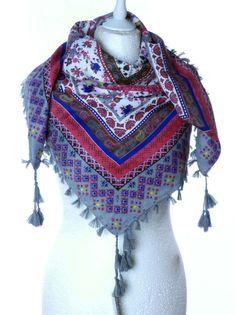 Kobieca chusta apaszka frędzle ornamenty etniczne