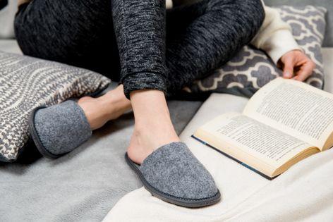 Filcowe kapcie damskie pantofle domowe dla gości