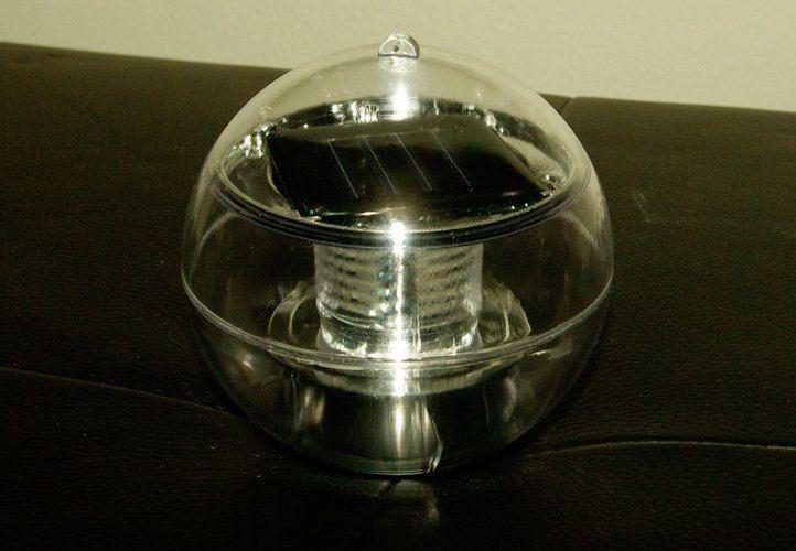 Lampa solarna biała LED, lampion ogrodowy w kształcie kuli zdjęcie 2