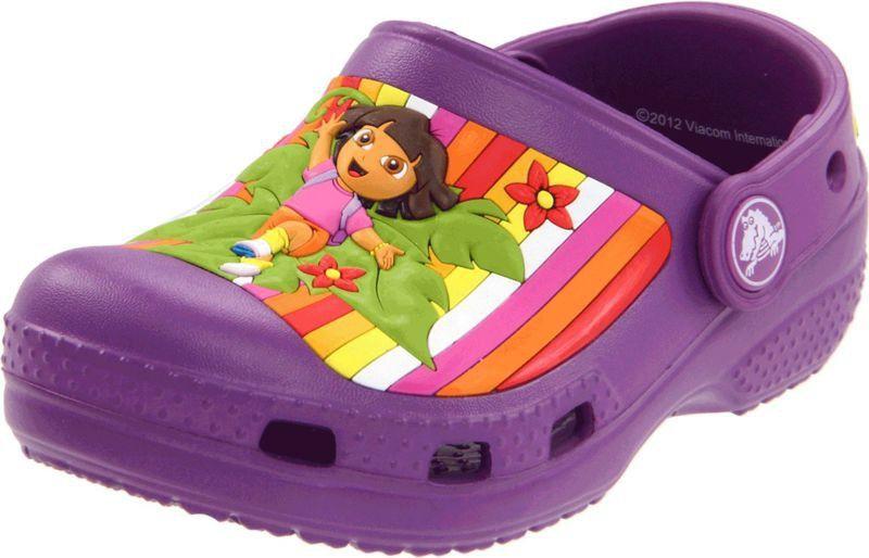 różne wzornictwo Cena fabryczna niska cena sprzedaży Crocs Kids Classic Dora Multistripe Dahlia Fioletowe klapki dla dzieci Dora  poznaje świat 21-22 C4/5 21-22 C4/5