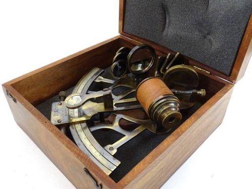 Duży sekstant SXT-0031 w pudełku drewnianym na Arena.pl