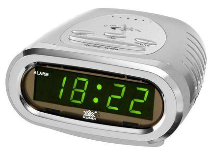 XONIX 610 Budzik sieciowy LED, alarm, srebrna obudowa, drzemka, szerokość ok. 11 cm
