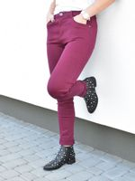 Bordo spodnie  z lajkrą krój jeansów Shoe Size - 40, Kolor - Bordo