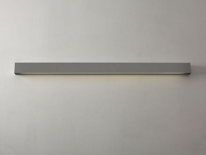 Lampa ścienna LINE WALL LED M - srebrna kinkiet do sypialni na Arena.pl