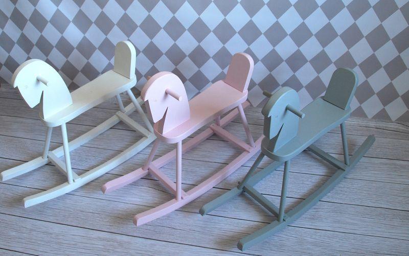 Drewniany konik na biegunach Kolor - biały zdjęcie 5