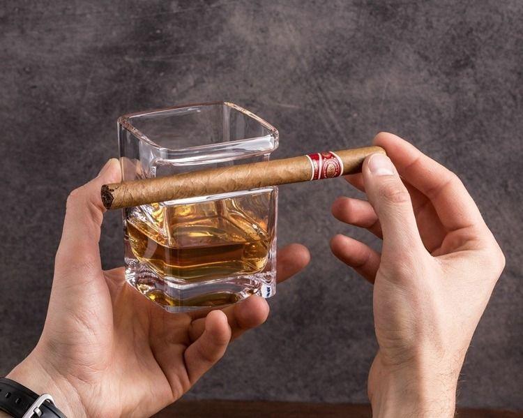 Szklanka do whisky i cygaro zdjęcie 3
