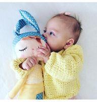 Lalka z imieniem w żółtej sukience
