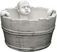 Fontanna ogrodowa betonowa chłopak kąpiący się w misce ø74cm
