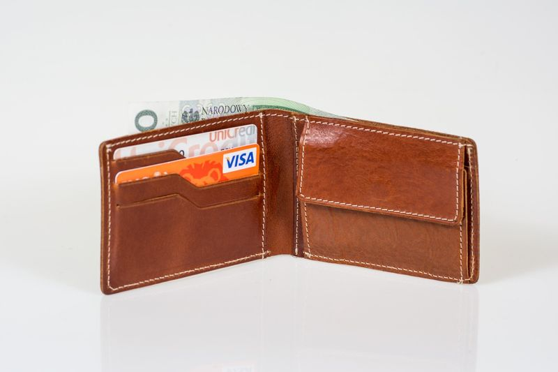 82f4668f51946 Skórzany mały portfel męski Cartello M033 Kolor - Koniakowy • Arena.pl