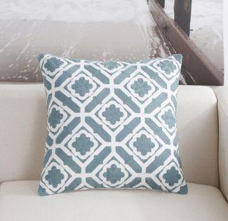 Poszewka na poduszkę we wzory geometryczne Kwadraty 45x45cm