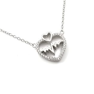 Modny naszyjnik srebrny serce puls
