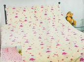 Pościel z kory 160x200 wzór Hello Kitty kremowa