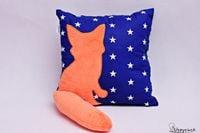 Poduszka z lisem i ogonem 3D lis w gwiazdach
