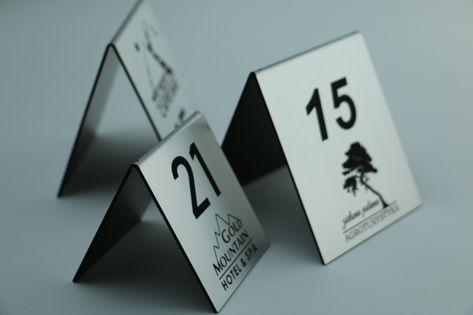 numer numerki na stolik stojak do restauracji rezerwacja na stół