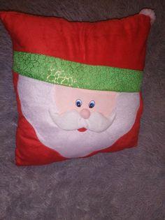 Świąteczna ozdobna poduszka Mikołaj rozm.40x40cm